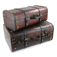 Set of 2 Wooden Suitcases Thumbnail 1