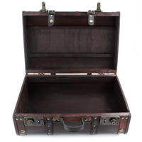 Set of 2 Wooden Suitcases Thumbnail 3