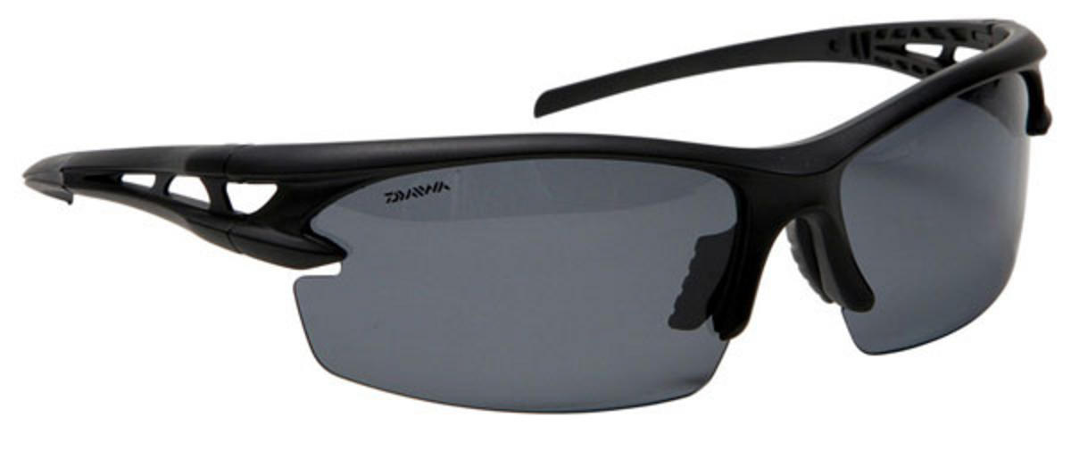 Special Offer Daiwa Polarised Sunglasses - Grey Frame / Amber Lens DVPSG2