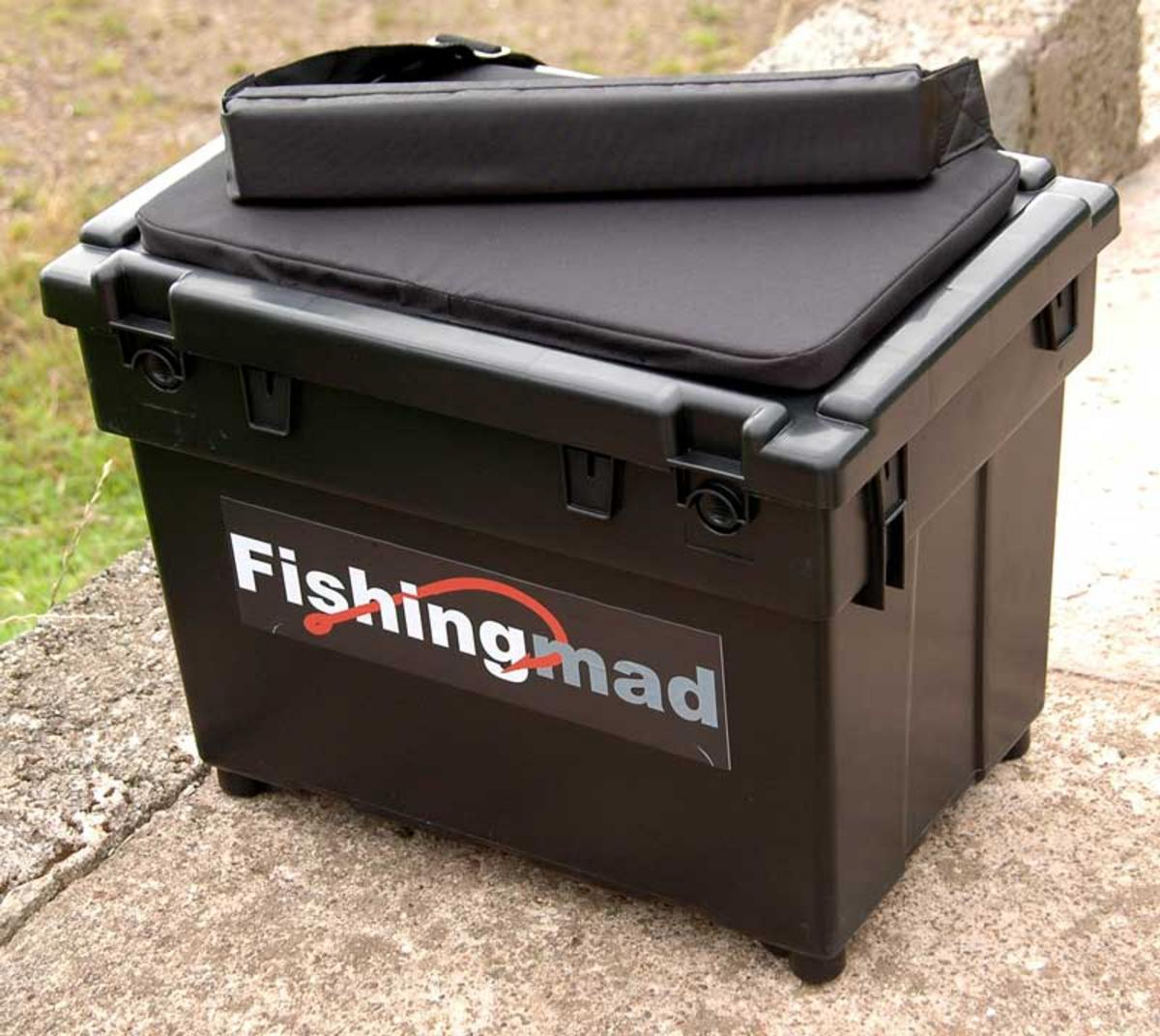 SEATBOX + 2 SIDE TRAYS + SEAT BOX CUSHION AND STRAP, SEA OR COARSE FISHING