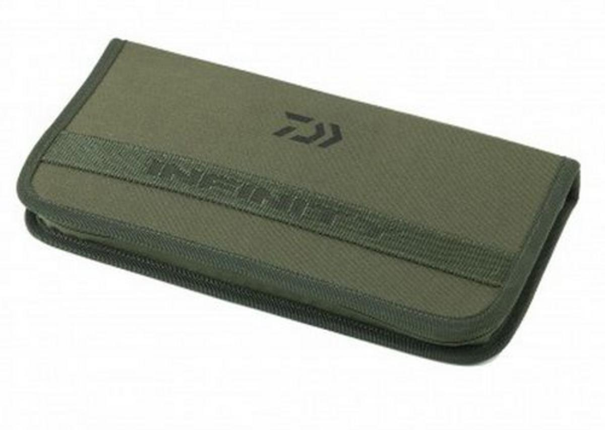 NEW DAIWA INFINITY RIG WALLET MEDIUM MODEL NO. DIRW1