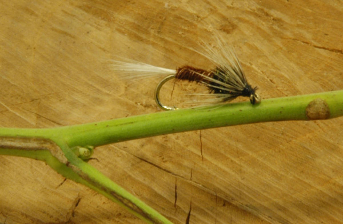 TALON TEN NATURAL CRUNCHER SIZE 10 TROUT FLIES