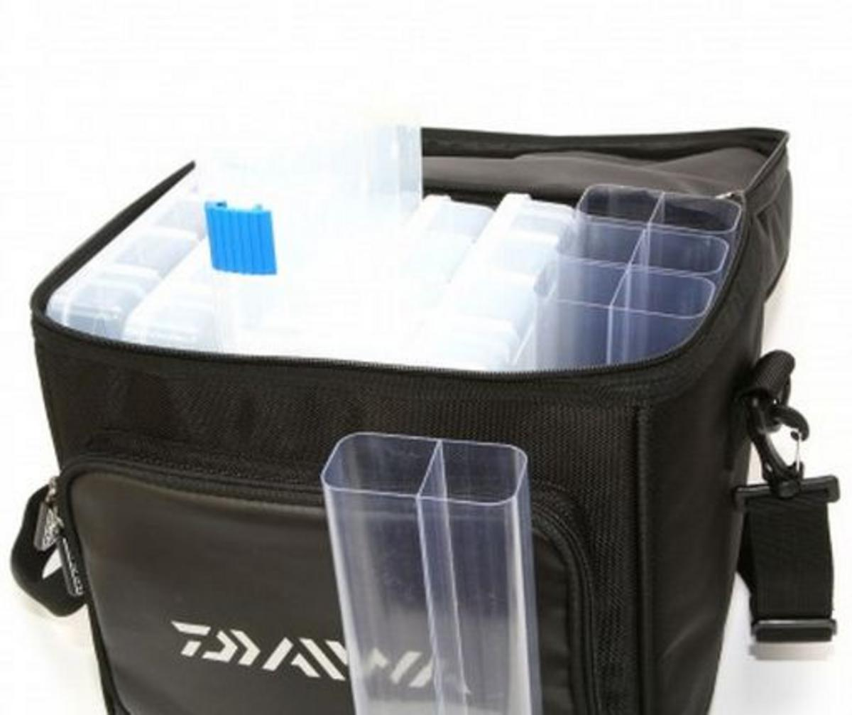 New Daiwa Lure Fishing Bag Medium Model No Dlb1 Luggage