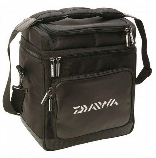 New daiwa lure fishing bag medium model no dlb1 ebay for Fly fishing luggage