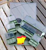 10 PIECE LARGE SYSTEM RIG BOX WITH RIG BOARDS ETC RRP £39.99. CARP TACKLE BOX
