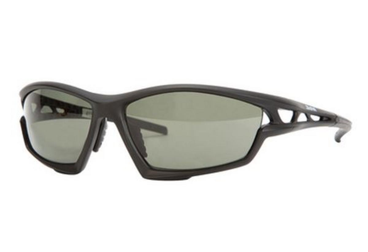 DAIWA POLARISED PHOTOCHROMIC SUNGLASSES GREY LENS BLACK FRAME DPPSG1