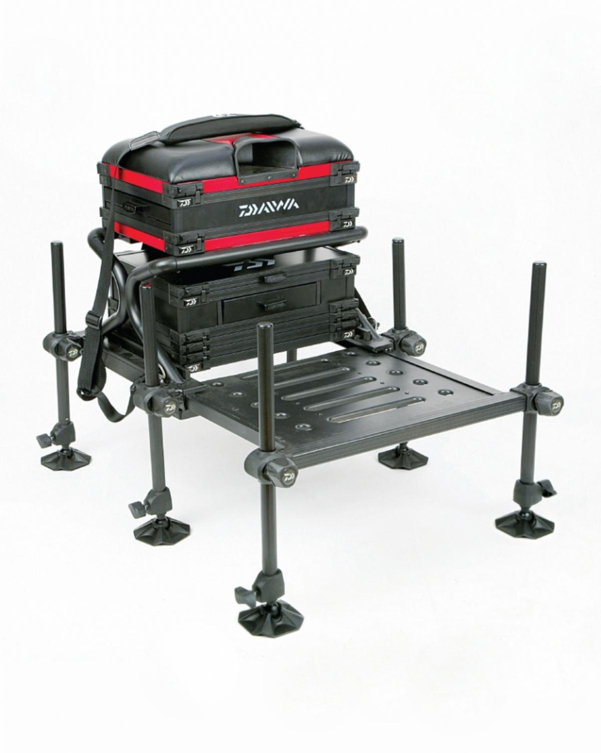 DAIWA TOURNAMENT X 250 SEAT BOX Red