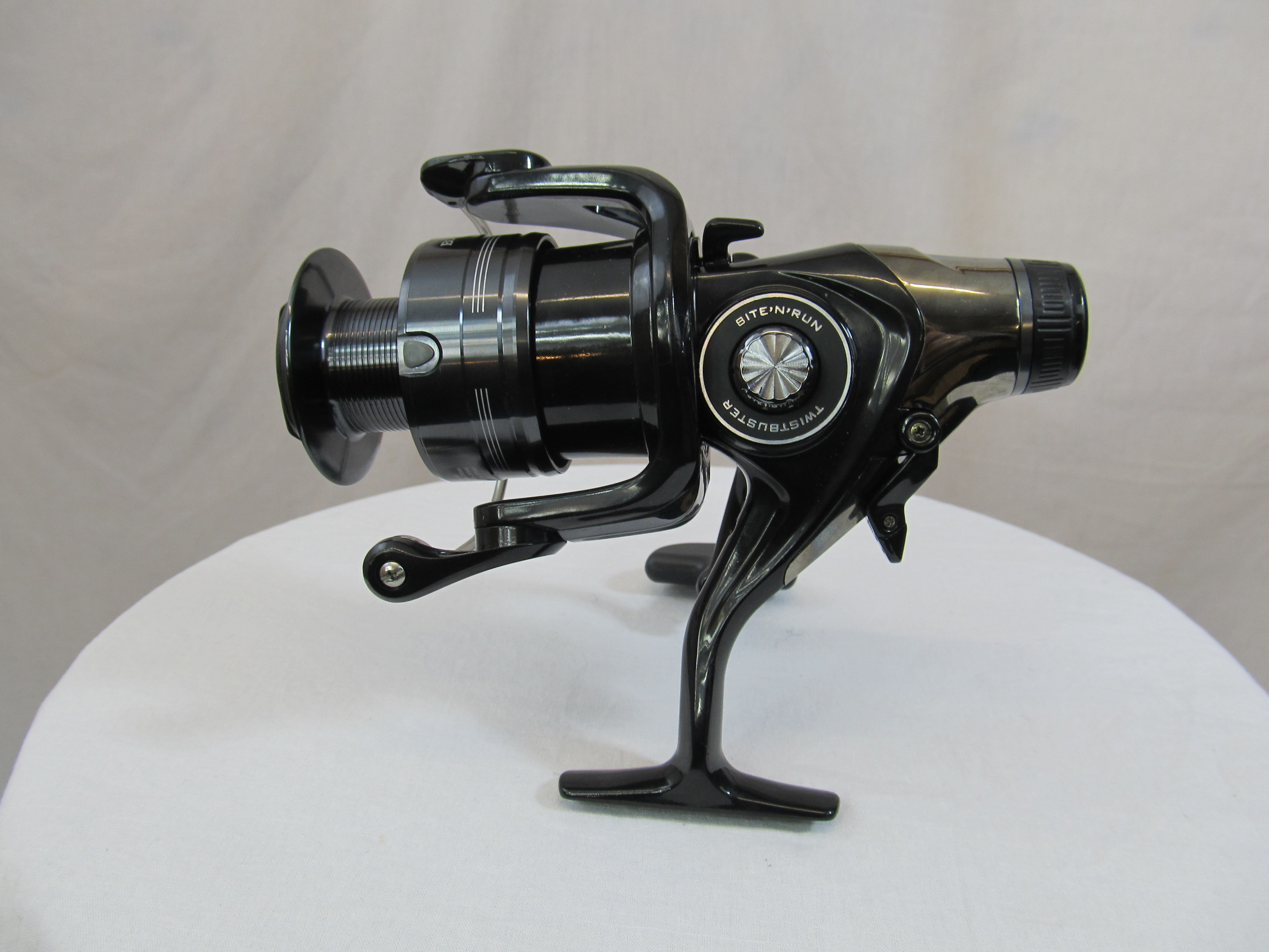 c0d7d73dcfb EX DISPLAY DAIWA BLACK WIDOW BR 4000A   Clearance & Special Offers   Fishing  Mad