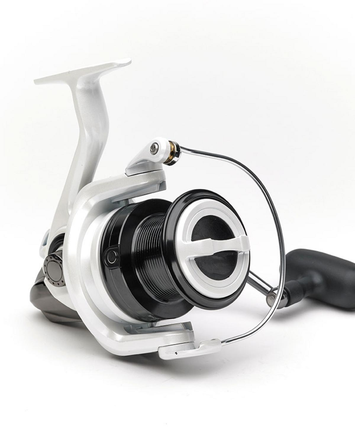 48e58101d46 EX DISPLAY Daiwa Shorecast 25A Bass / Surf Fishing Reel Model No ...