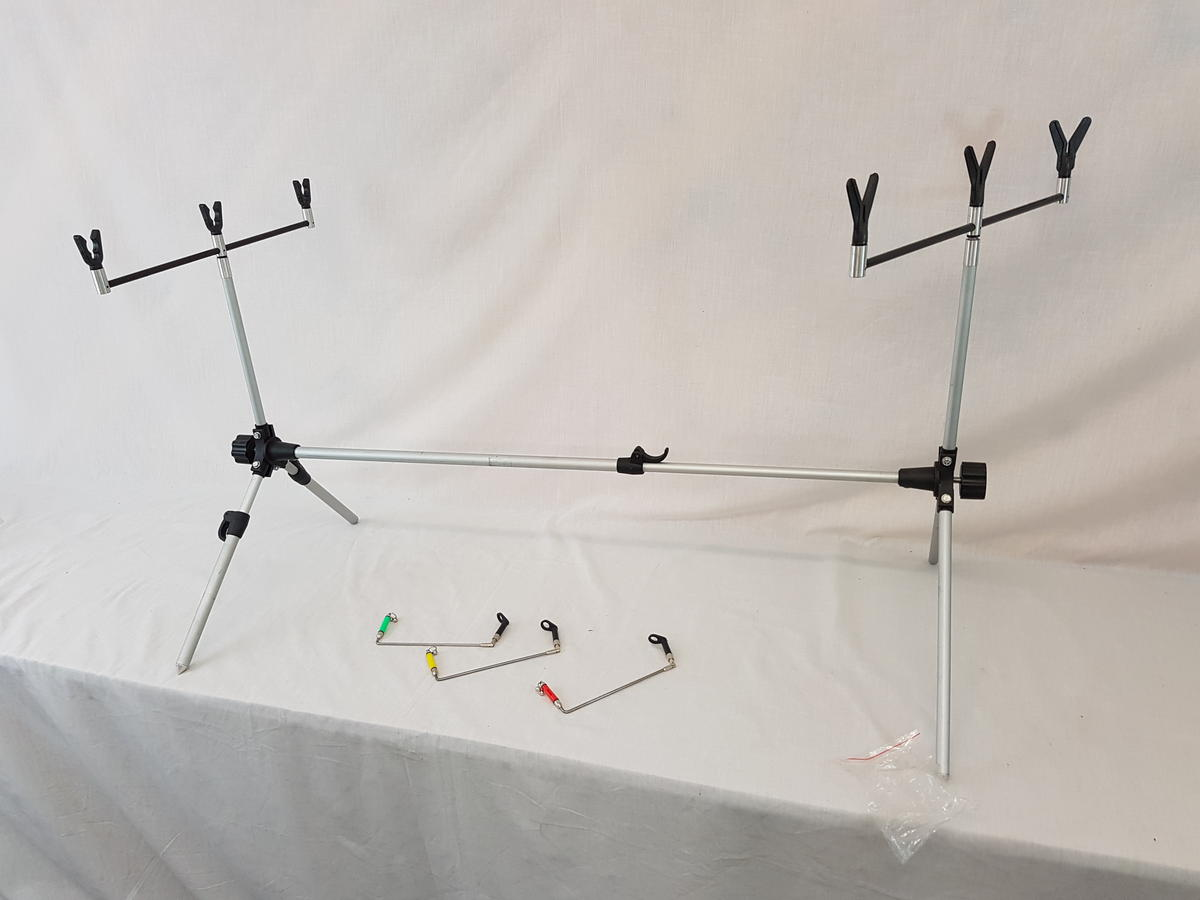 EX DISPLAY 3 ROD POD COMPLETE WITH ROD RESTS AND SWING BITE INDICATORS