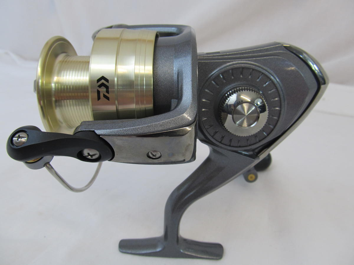 EX DISPLAY DAIWA CROSSFIRE SPINNING FISHING REEL CF4500B