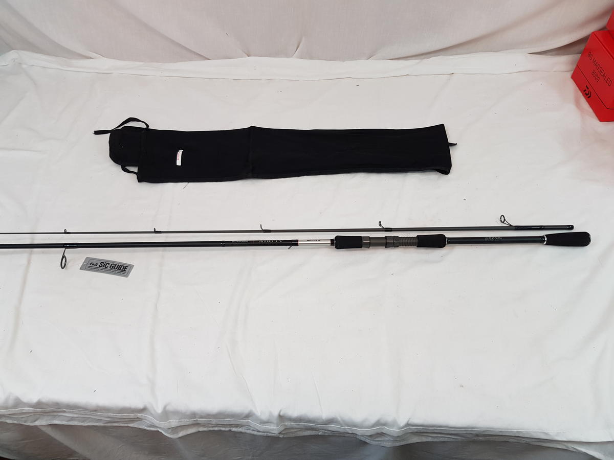 DAIWA TOURNAMENT AIRITY 8' 2 SECTION SPIN BASS ROD MADE IN UK Mod No TNAS802