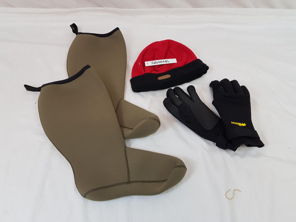NEOPRENE GLOVES, SOCKS & DAIWA FLEECE HAT. WINTER IS COMING!!!!!
