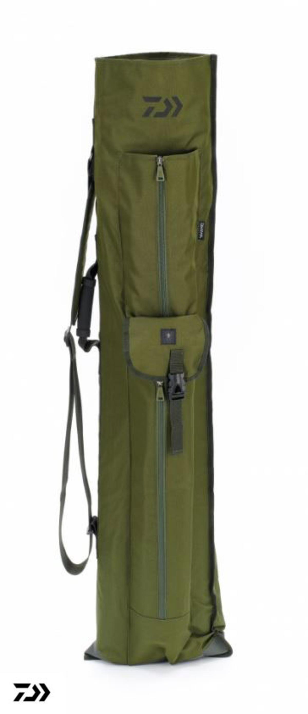 New Daiwa Black Widow Quiver Holdall / Carp Fishing Luggage - BW3RQH