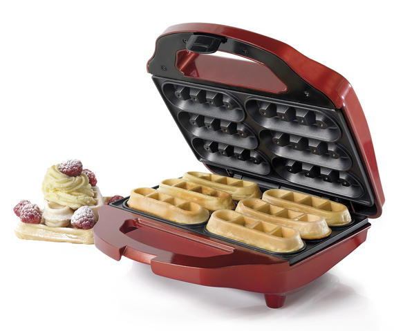 American Originals Red 700 Watt 6 Finger Waffle Maker