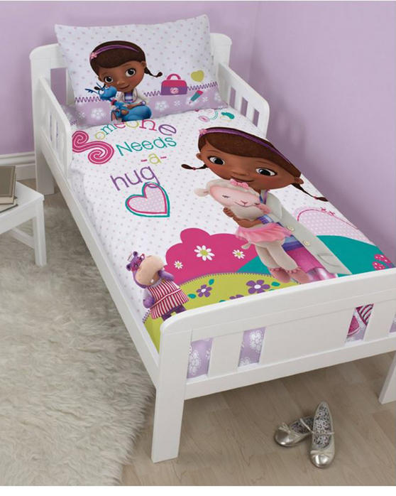 Disney Doc McStuffins Hugs Junior Bedding Bundle DDMHUGJB001UK3