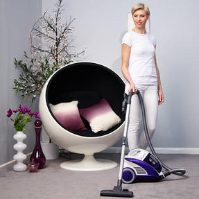Hoover CU81_CU11001 Curve Bagless Cylinder Vacuum Cleaner - Purple and White [Energy Class A] Thumbnail 3