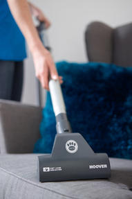 Hoover SP71BL04001 Blaze Bagless Cylinder Vacuum Cleaner, 1.7 litre, 700 W - Black and Blue [Energy Class A] Thumbnail 6