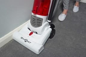 Hoover TH71 SM02001 Smart Bagless Pets Upright Vacuum Cleaner, 3 L, 700 W - White and Red [Energy Class A] Thumbnail 4