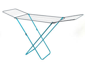Beldray 18 Metre Clothes Airer and Beldray Hip Hugger Laundry Basket Set, Turquoise Thumbnail 3