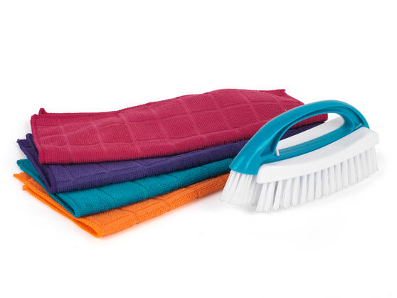 Beldray 2-in-1 Cleaning Brush and 4-Pack of Microfibre Cloths