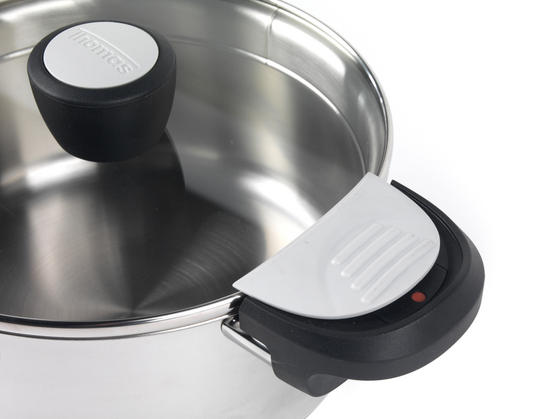 5 litre casserole dish with lid-2577
