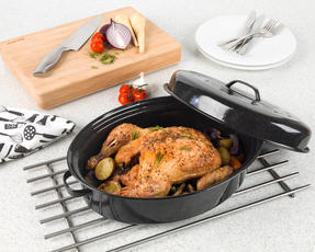Russell Hobbs Vitreous Enamel Deep Roaster, Baking Tray and Self Basting Roaster with Lid, Black Thumbnail 8