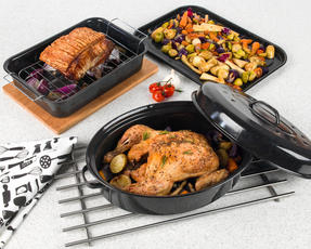 Russell Hobbs Vitreous Enamel Deep Roaster, Baking Tray and Self Basting Roaster with Lid, Black Thumbnail 2