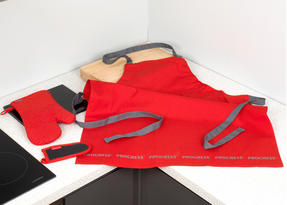 Progress Professional Kitchen Set with Oven Gauntlet, Neoprene Pan Handle Sleeve and Apron, Red Thumbnail 8