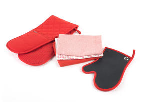Progress Professional Kitchen Set with Double Oven Glove, Neoprene Oven Gauntlet and Pack of Three Tea Towels, Red