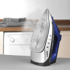 Beldray BEL0747 2 in 1 Cordless Steam Iron, 300 ml, 2600 W, Blue Thumbnail 5