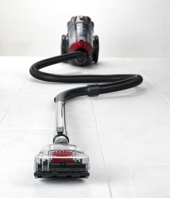 Beldray BEL0666 Compact Cylinder Dual Cyclonic Pet Plus Vacuum Cleaner, 700 W, Red Thumbnail 7