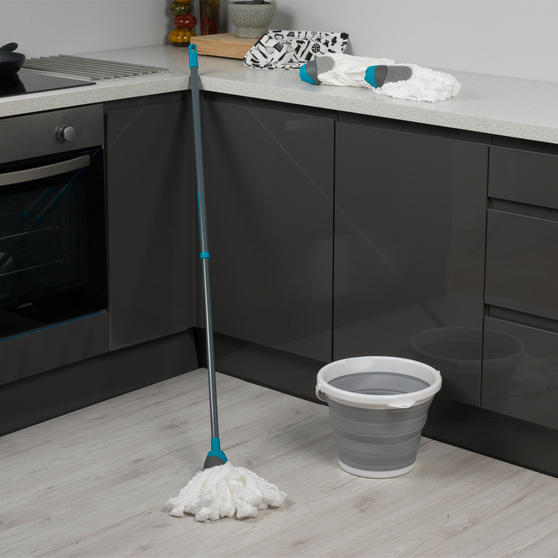 Beldray 4 Piece Cleaning Set with Extendable Microfibre Mop, Collapsible Bucket and Two Mop Heads Thumbnail 2