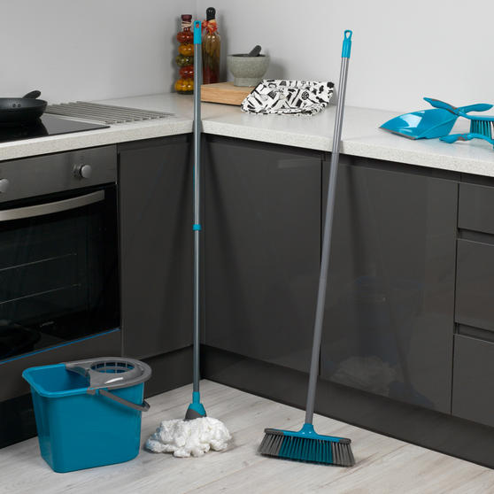 Beldray 7 Piece Cleaning Set with Broom, Brushes, 14 Litre Bucket and Extendable Microfibre Mop Thumbnail 2