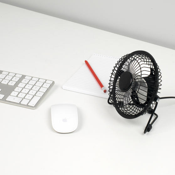Beldray Mini USB Desktop Fan, 4-Inch, Black Thumbnail 2