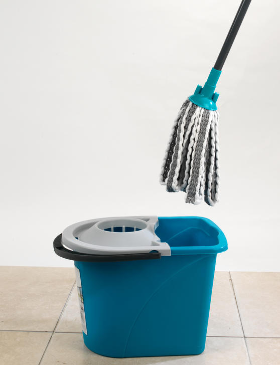 Beldray Microfibre Mop with Telescopic Handle and Extra Head Thumbnail 2
