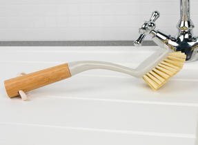 Beldray Bamboo Dish, Bottle and Scrubber Cleaning Brush Set, 14 cm / 28 cm / 34 cm, Brown Thumbnail 4