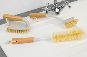 Beldray Bamboo Dish, Bottle and Scrubber Cleaning Brush Set, 14 cm / 28 cm / 34 cm, Brown Thumbnail 6