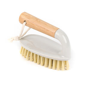 Beldray Bamboo Dish, Bottle and Scrubber Cleaning Brush Set, 14 cm / 28 cm / 34 cm, Brown Thumbnail 9