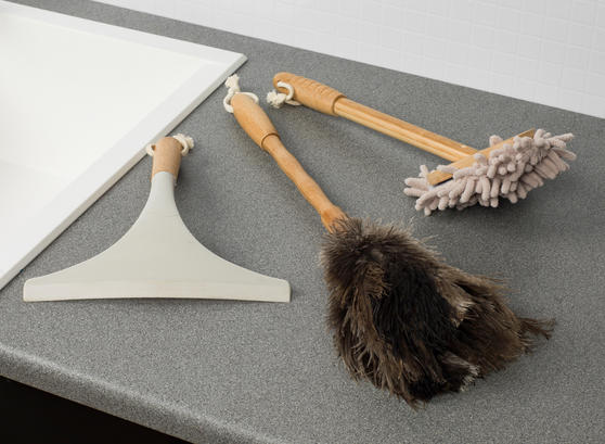Beldray Bamboo Chenille Duster, Ostrich Feather Duster and Window Squeegee Set, 3 Piece Thumbnail 5