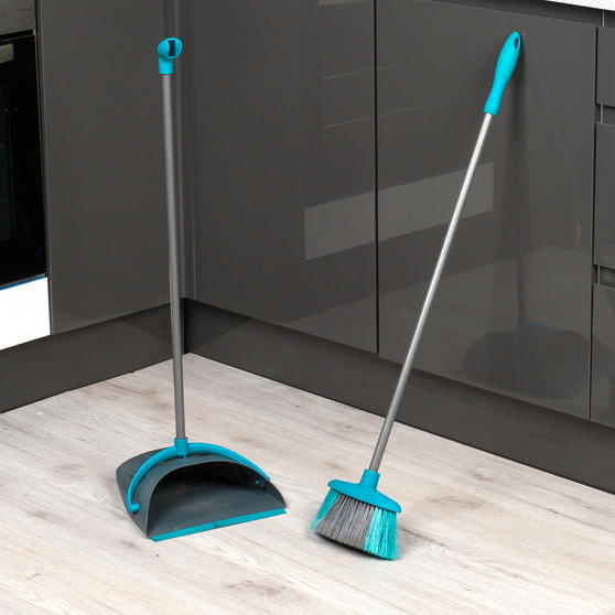 Beldray Dustpan and Broom Cleaning Set Thumbnail 3