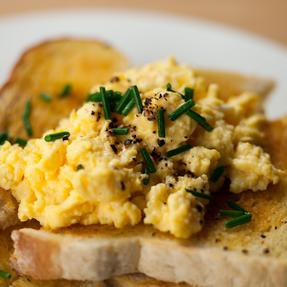 JML V03109 Crackin? Eggs Microwave Egg Cooker Boiler Poacher Scrambler, Pink Yellow or Purple Thumbnail 8