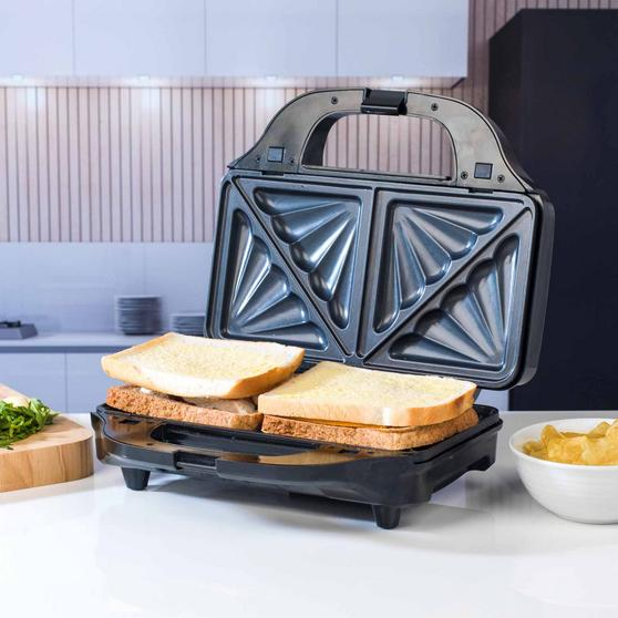 Beldray 2-in-1 Snack Maker with Sandwich and Waffle Plates Thumbnail 4