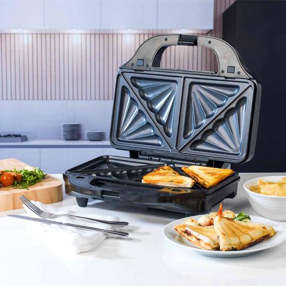 Beldray 2-in-1 Snack Maker with Sandwich and Waffle Plates Thumbnail 5