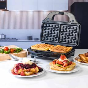 Beldray EK2143TWOBGP 2-in-1 Snack Maker with Sandwich and Waffle Plates Thumbnail 6
