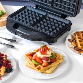 Beldray EK2143TWOBGP 2-in-1 Snack Maker with Sandwich and Waffle Plates Thumbnail 7