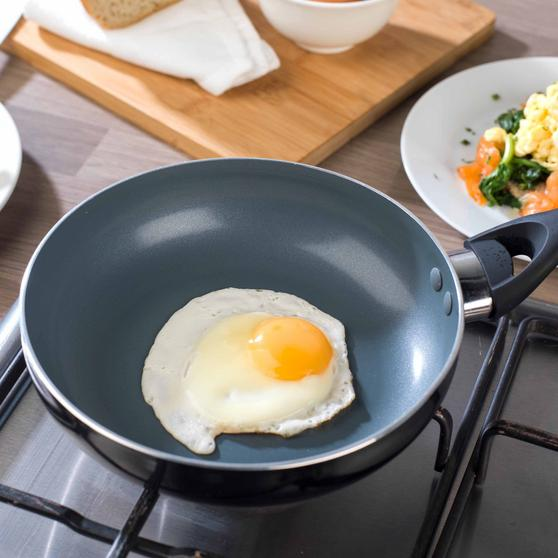Beldray Non-Stick 4 Cup Egg Poacher Thumbnail 5