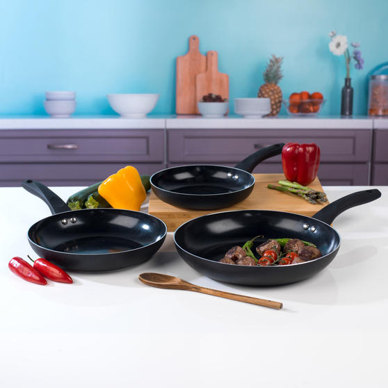 Beldray 3 Piece Ceramic Frying Pan Set, 20/24/28 cm, Black Thumbnail 3