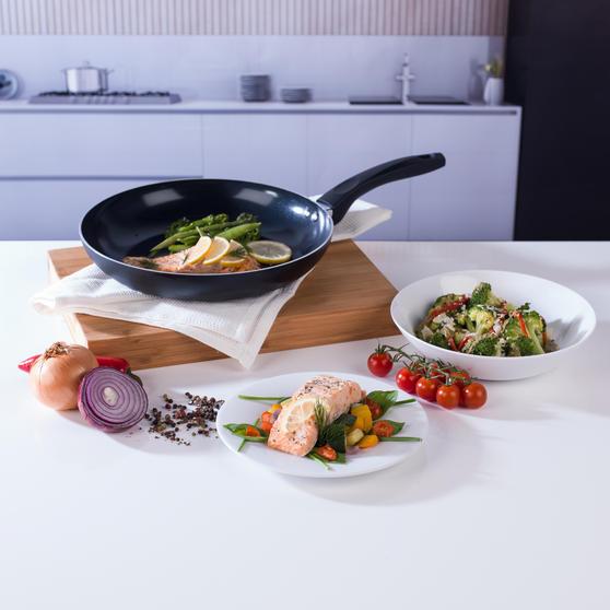 Beldray Ceramic Non-Stick Frying Pan, 28 cm, Black Thumbnail 2