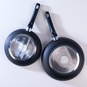 Beldray BW07060GP Two Ceramic Frying Pans, 20/28 cm, Black Thumbnail 3